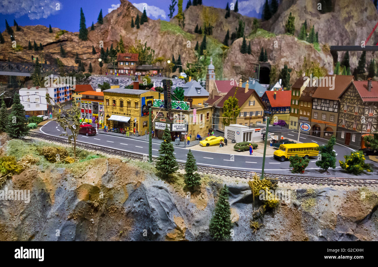 miniature-village-scene-at-the-osoyoos-d