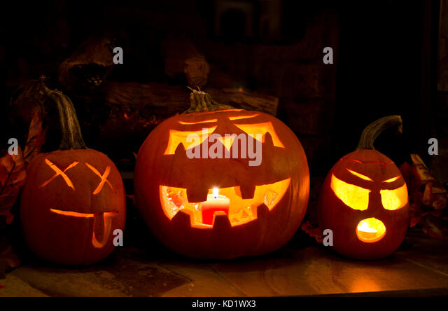 three-carved-halloween-pumpkins-jack-ola